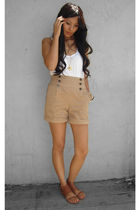 white top - beige shorts - brown shoes - gold necklace - orange