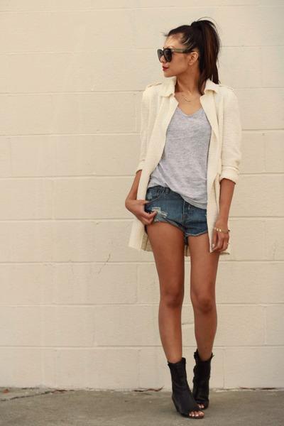 One Teaspoon shorts - Dolce Vita boots - Zara coat - Zara t-shirt