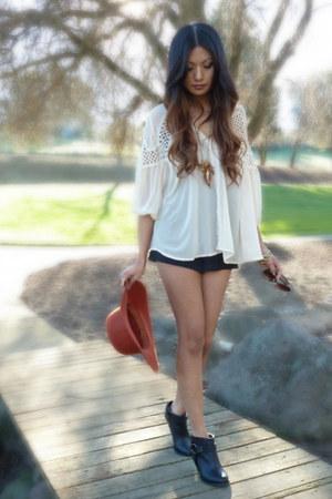 burnt orange Deena&Ozzy hat - black Forever21 boots - black Winter Kate shorts