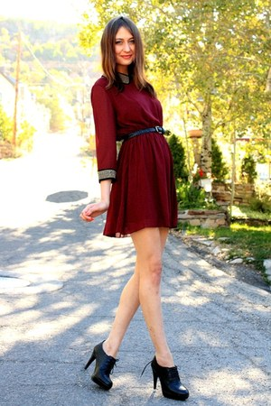 crimson Dahlia dress - black Aldo heels