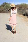 Beige-vintage-top-pink-vintage-skirt