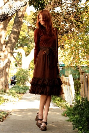 dark brown vintage dress - dark brown Frye shoes