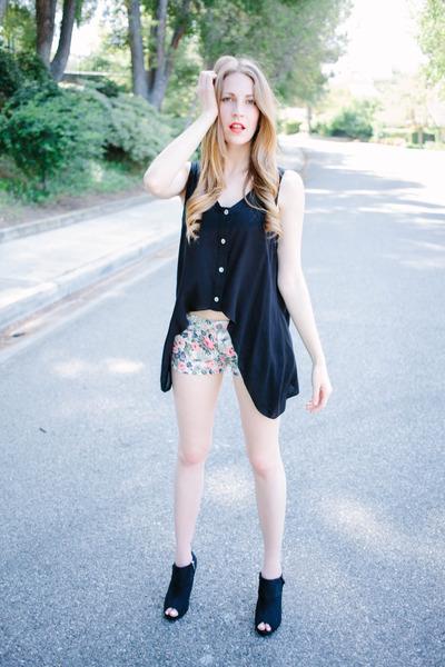 top - boots - floral pastel q fashion shorts