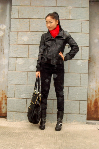 red H&M scarf - black Zara jacket - black H&M jeans - gray shoes