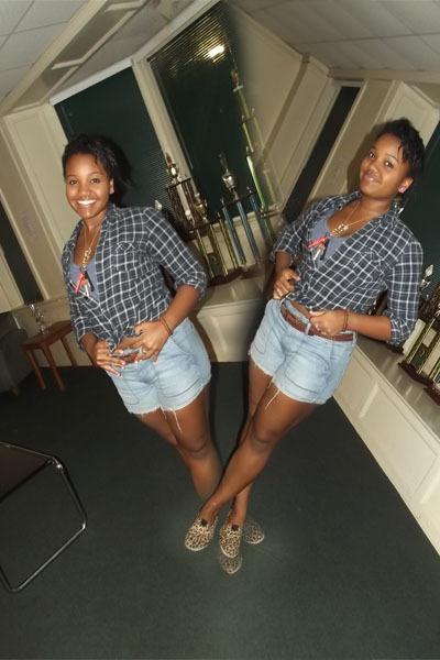 blue crop top top - navy flannel top - light blue high waisted shorts