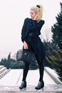 Black-h-m-boots-navy-trenchcoat-h-m-trend-coat-black-plastic-basket-h-m-bag