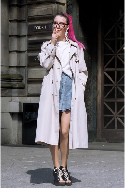 periwinkle Topshop skirt - light brown trenchcoat 2nd Hand jacket