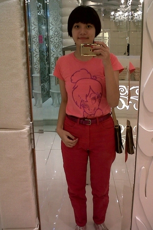 t-shirt - jeans - shoes