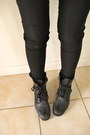 Black-boots-black-jacket-black-leggings-heather-gray-shirt-black-hoodie