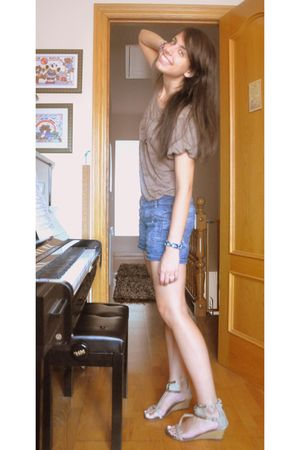 brown t-shirt - blue Zara shorts - green vives shoes