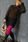 Gold-sweater-hot-pink-tights-gold-bag