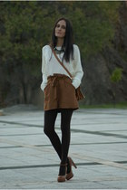 off white Stradivarius sweater - brown Sfera shorts