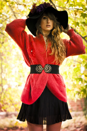 black Otto Mode skirt - ruby red Byrd Holland Vintage cardigan