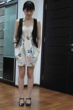 white Kloset dress - white Kloset accessories