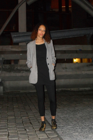 gray Inwear blazer - black H&M leggings - black H&M shirt