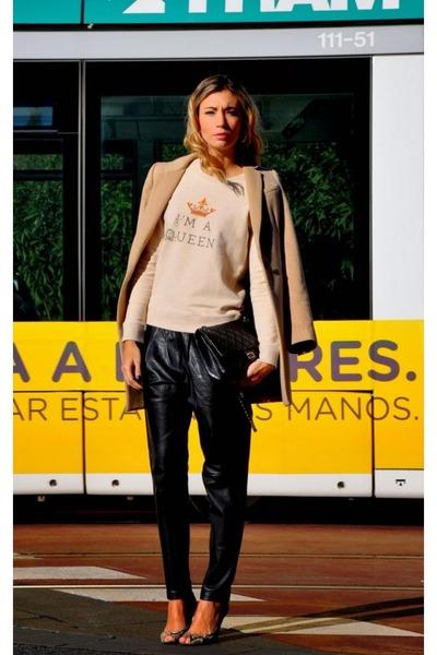 beige doll-memoriescom sweater - black Mango pants