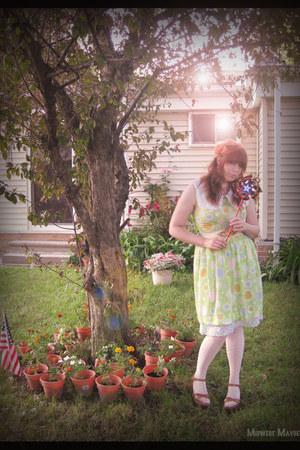 patterned vintage dress - polka dot Target tights - Steve Madden sandals