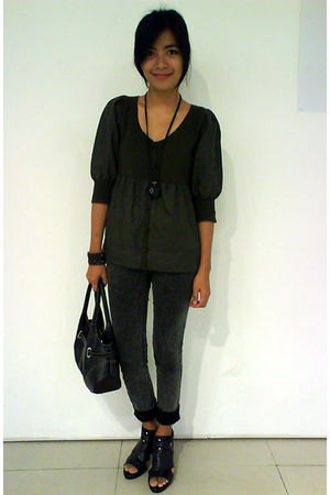 green g2000 top - gray thrift jeans - black purse - black sugar shoes - black ac