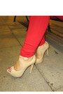 Neutral-steve-madden-pumps-gold-american-eagle-sweater
