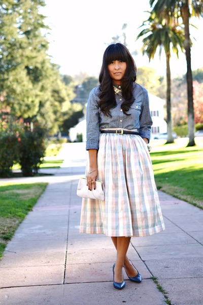 thrifted vintage skirt - Old Navy blouse - Enzo Angolini pumps