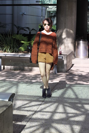 navy audle  suede boots - mustard leather shorts H&M shorts