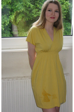 yellow Lotte Voss dress