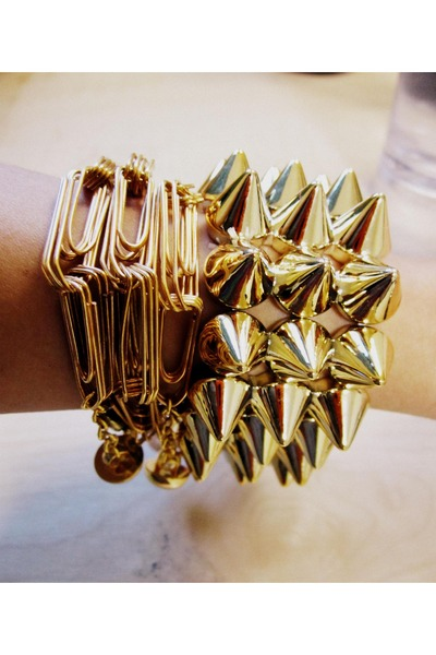 Studded-cuff-and-neck-bracelet-diy-bracelet_400