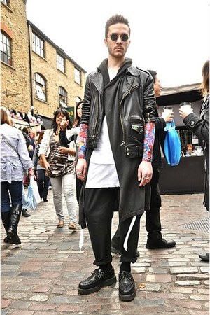 Rick Owens t-shirt - TuK creepers shoes - undercover top - Rick Owens vest