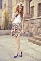 green H&M skirt - white Stradivarius top - blue Stradivarius heels