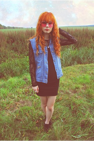 bubble gum allegro glasses - black Stradivarius skirt
