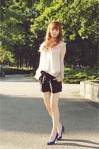 black Reporter shorts - neutral Wholesale-Dress top - blue Stradivarius heels