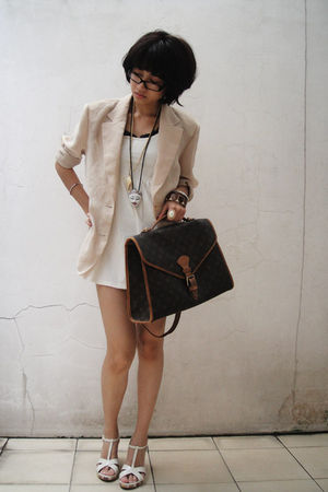 beige vintage - white koreanbrand dress - brown moms LV - white Metro - white f2