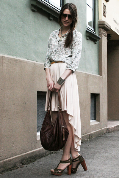 light pink asymmetrical Worn Pretty skirt - dark brown Andrea Brueckner bag
