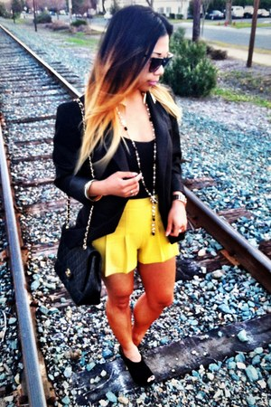 black love21 blazer - Chanel bag - chartreuse love21 shorts