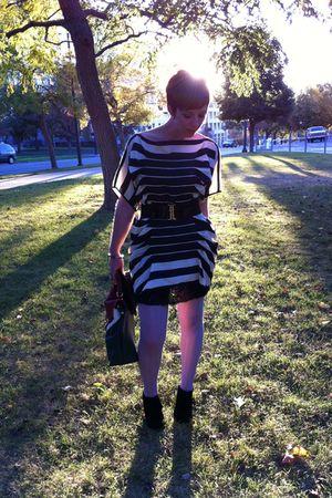 black Forever 21 dress - black Forever 21 skirt - gray Sparkle and Fade stocking