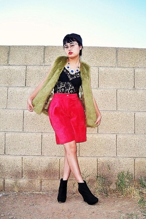 red suede leather vintage shorts - black platform wedge Forever 21 boots