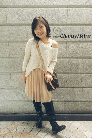 knee length skirt - leather long boots - furry shining knitted top sweater
