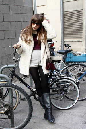 black leather Camilas boots - off white soft Zara coat - crimson cashmere Massim