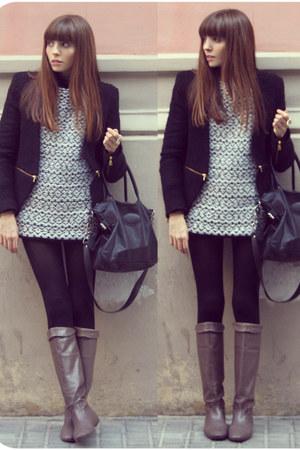 tweed Zara jacket - leather Camilas boots - oversized Zara sweater
