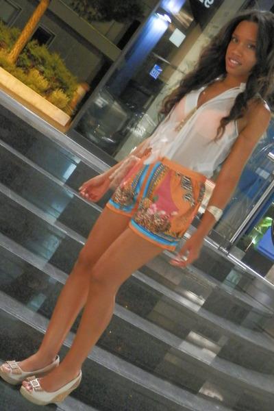 H&M shorts - H&M blouse - Azaleia heels