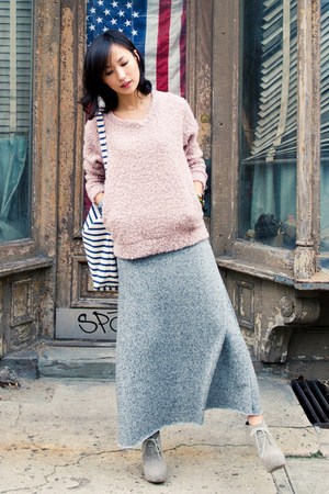 heather gray misspouty skirt - light pink reversed back misspouty sweater