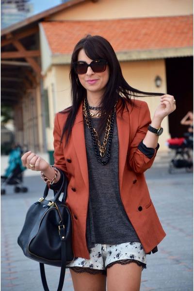 tawny Zara blazer - black shoppers bag Zara bag - white Zara shorts