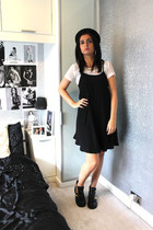 Miss Guided hat - River Island boots - Miss Selfridge dress