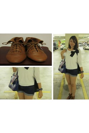 dark brown Zara boots - blue sungei wang bag - blue cotton on shorts - cream For
