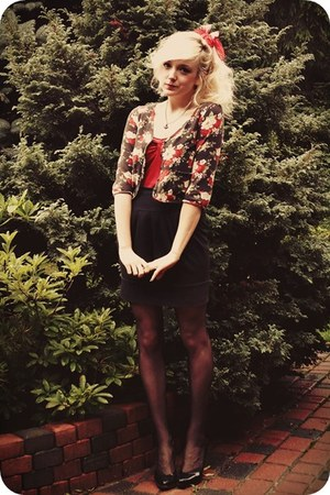 red top - black skirt