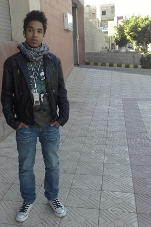Bossini jacket - Bossini t-shirt - Bossini jeans - Converse shoes - scarf