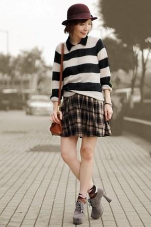 light brown plaid skirt - maroon Monki hat - beige striped H&M sweater