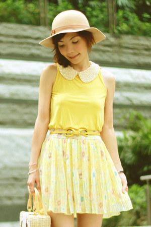 camel Monki hat - eggshell necklace - yellow pull&bear top - mustard belt