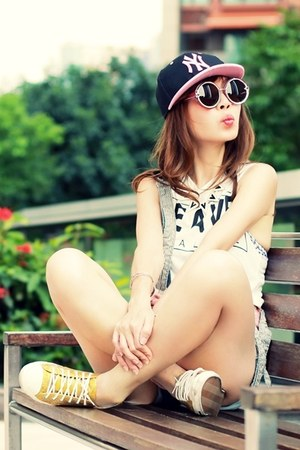 gold gold glitters DIY sneakers - black hat - sky blue Sheinside shorts