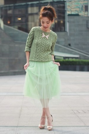 aquamarine midi tulle skirt - green knit Forever 21 sweater - ivory necklace